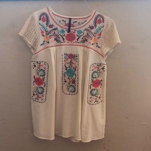 Embroidered tunic 🌸🌼🌻🌹🌺
